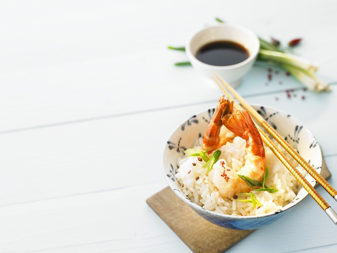 Rice with prawns, spring onions and chilli