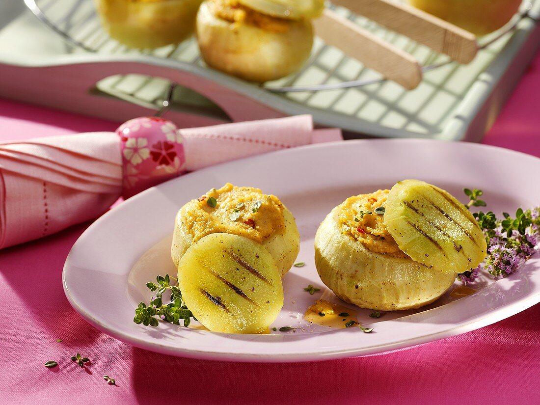 Kohlrabi stuffed with chick-pea puree