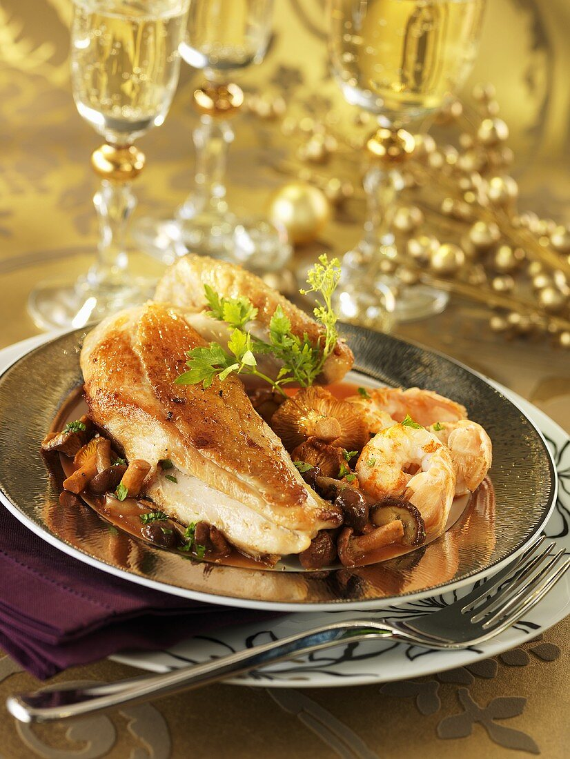 Chicken breast with prawn and mushroom sauce