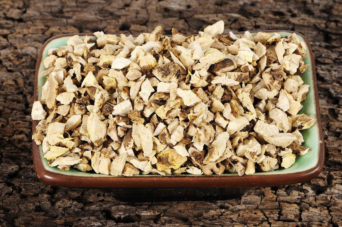 Dioscorea hypoglauca rhizome (Rhizoma Dioscoreae Hypoglaucae, Fen Bi Xie) in a dish