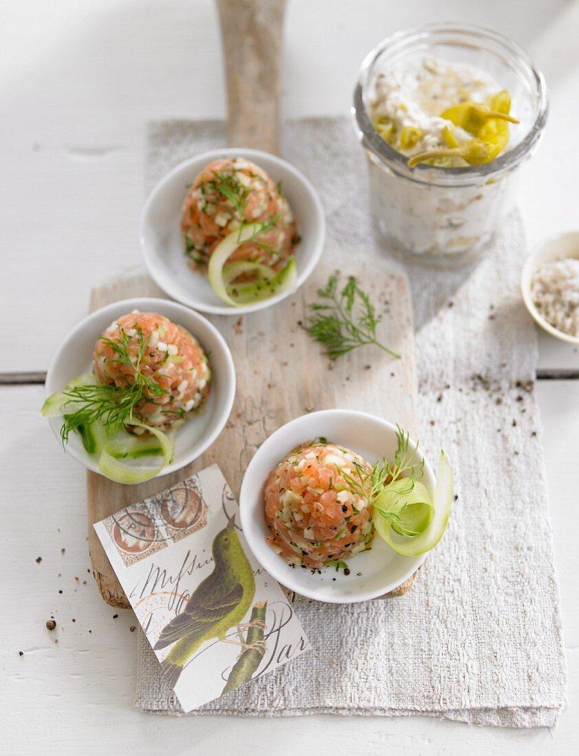 Salmon tatar with cucumber