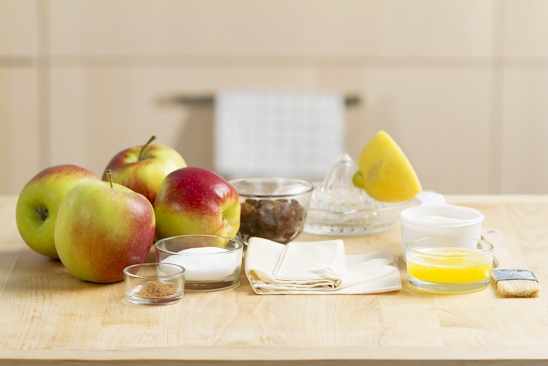 Ingredients for apple strudel