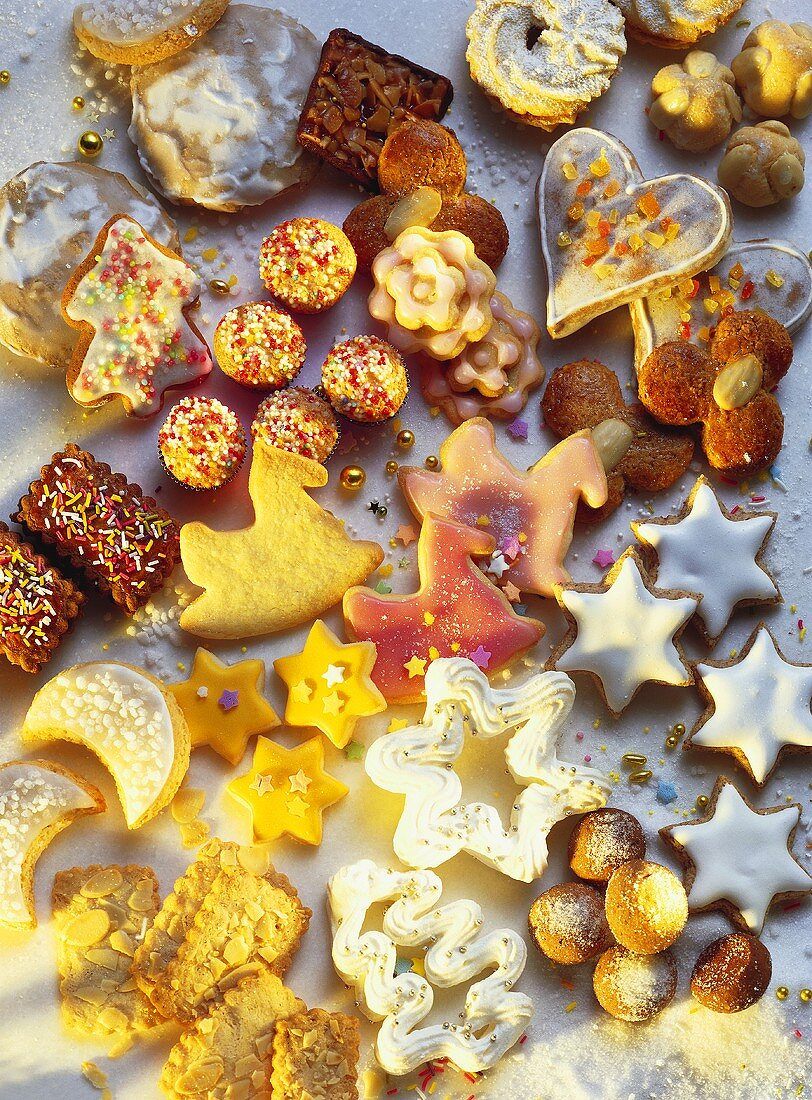 Many assorted Christmas Cookies