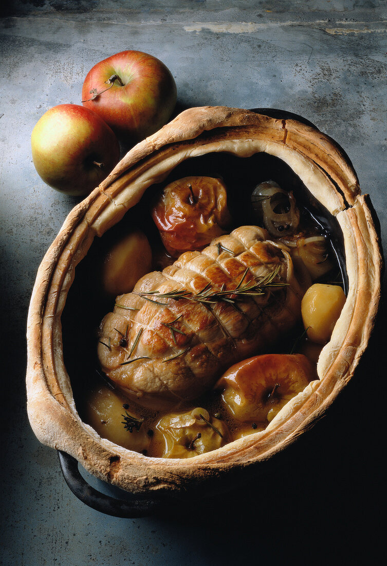 roast pork with onions and apples