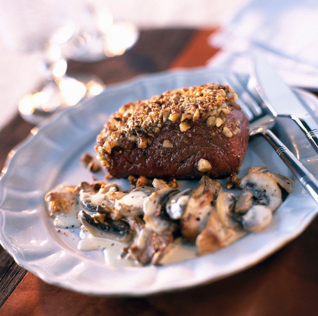 Steak von der Hirschkuh mit Pilzen