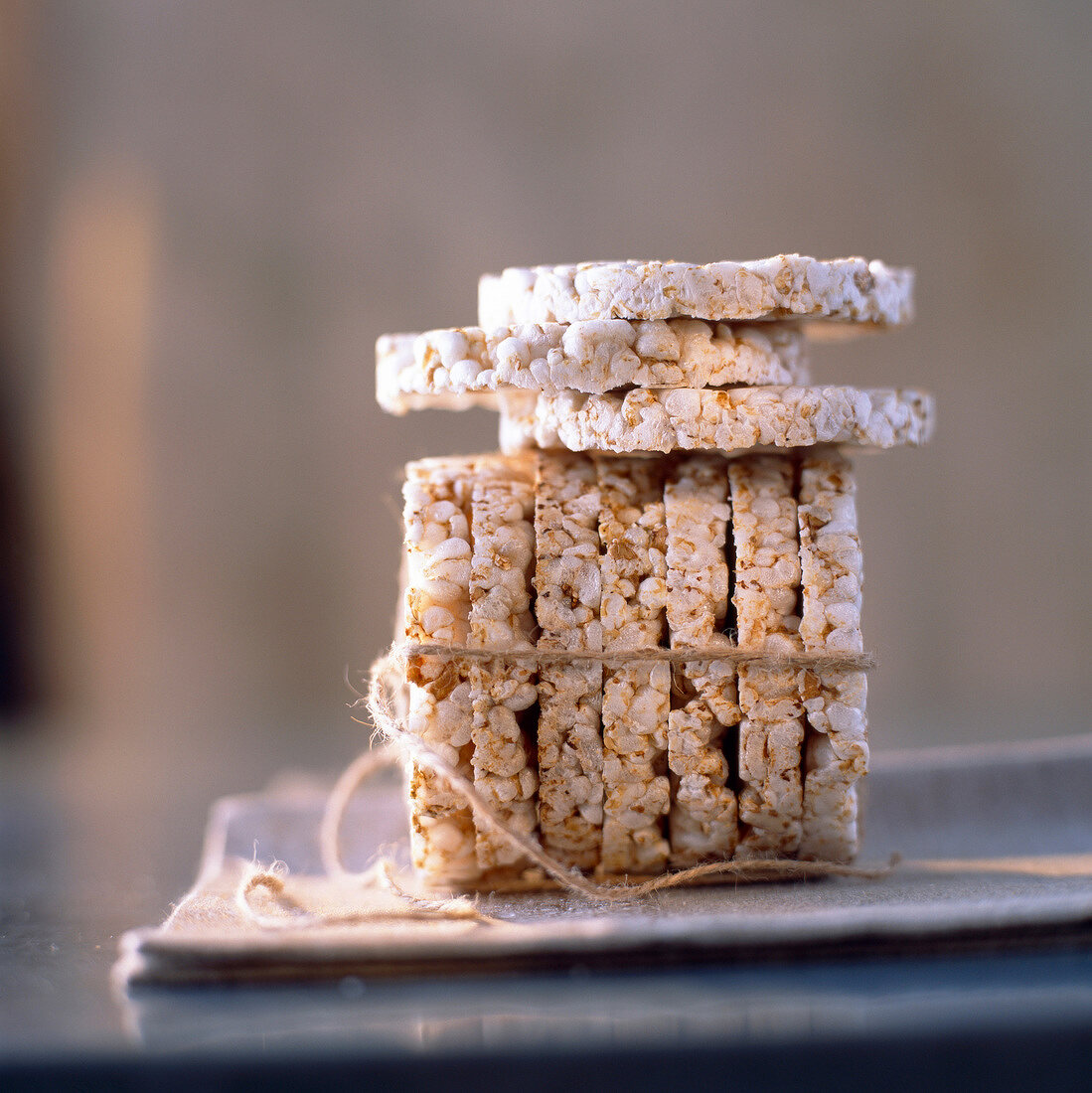 puffed rice and spelt cakes