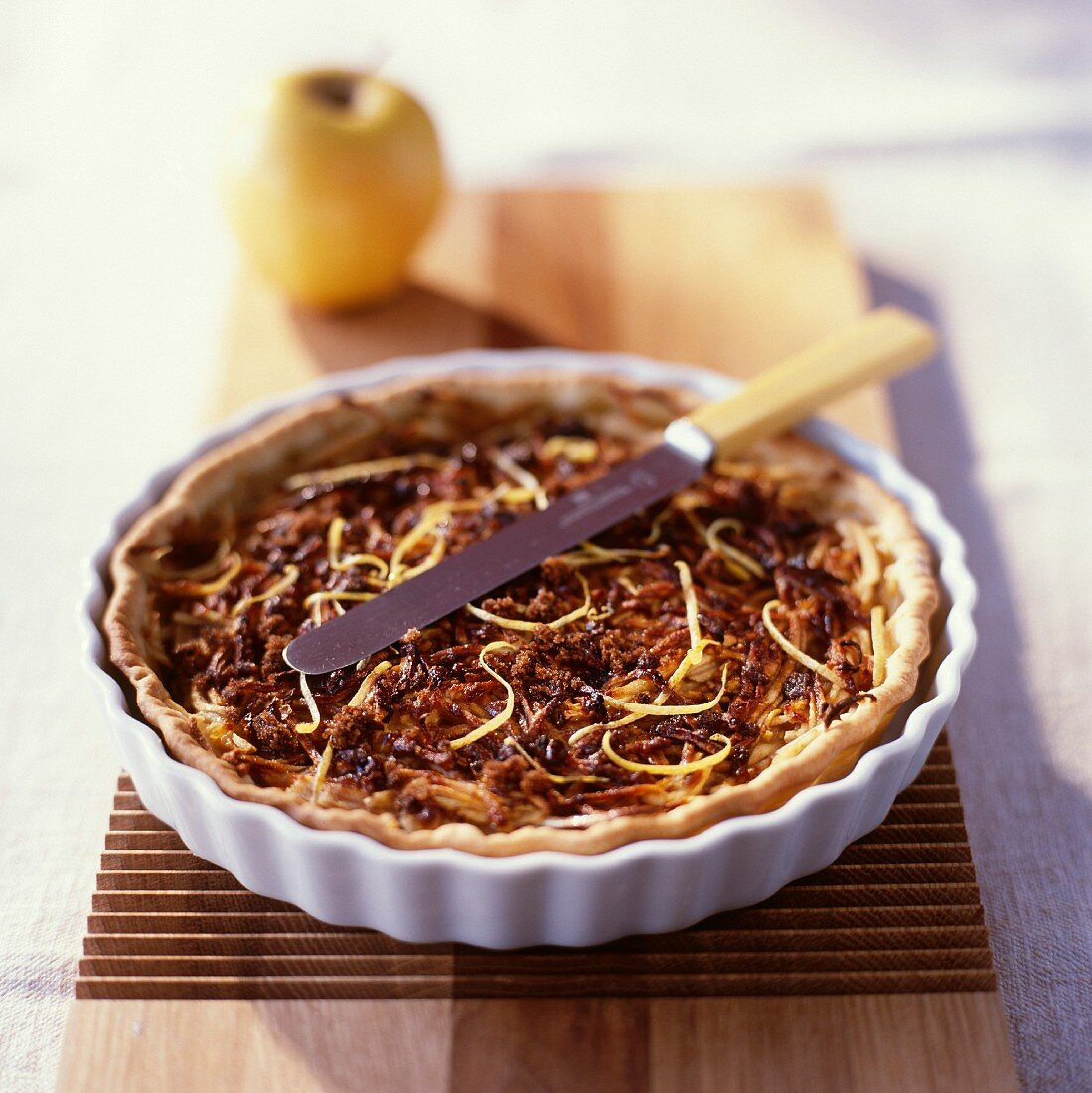 Apple tart with grated apples