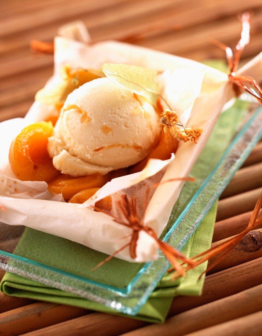 Apricots en papillote