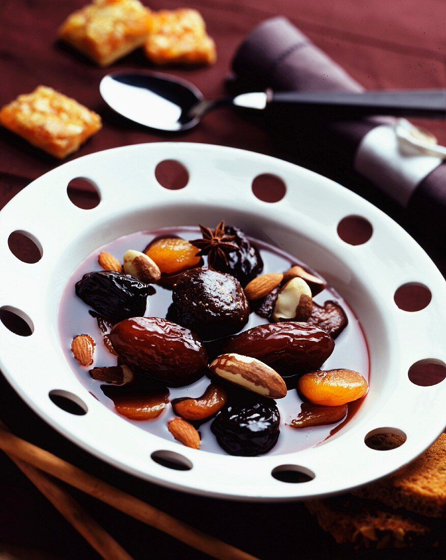 Dried fruit and red wine soup