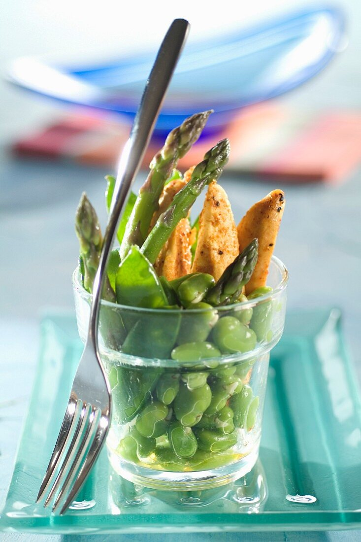 Curried chicken with broad beans,sugar peas and asparagus