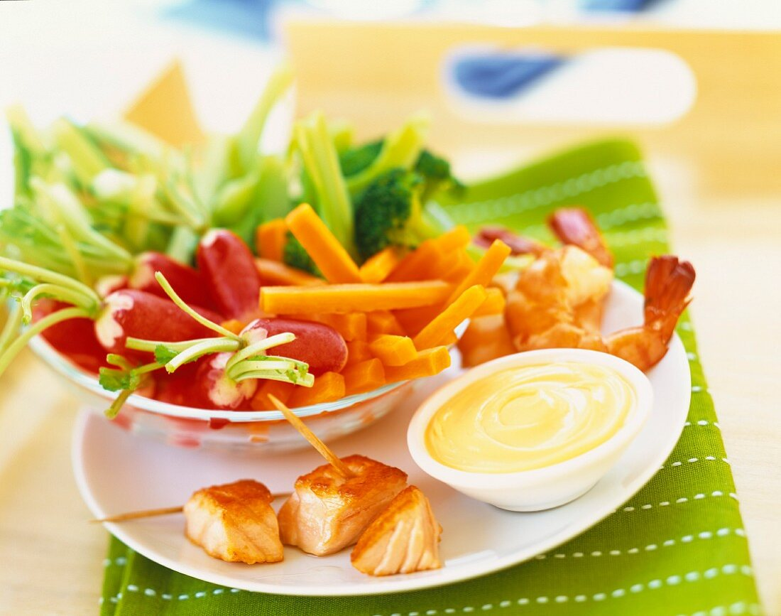 Raw vegetables and dip