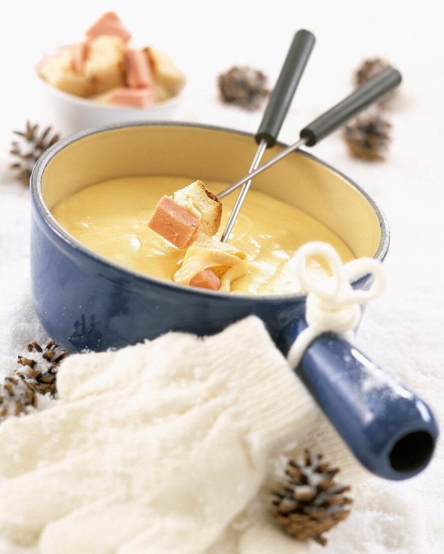 Cheese and ham fondue
