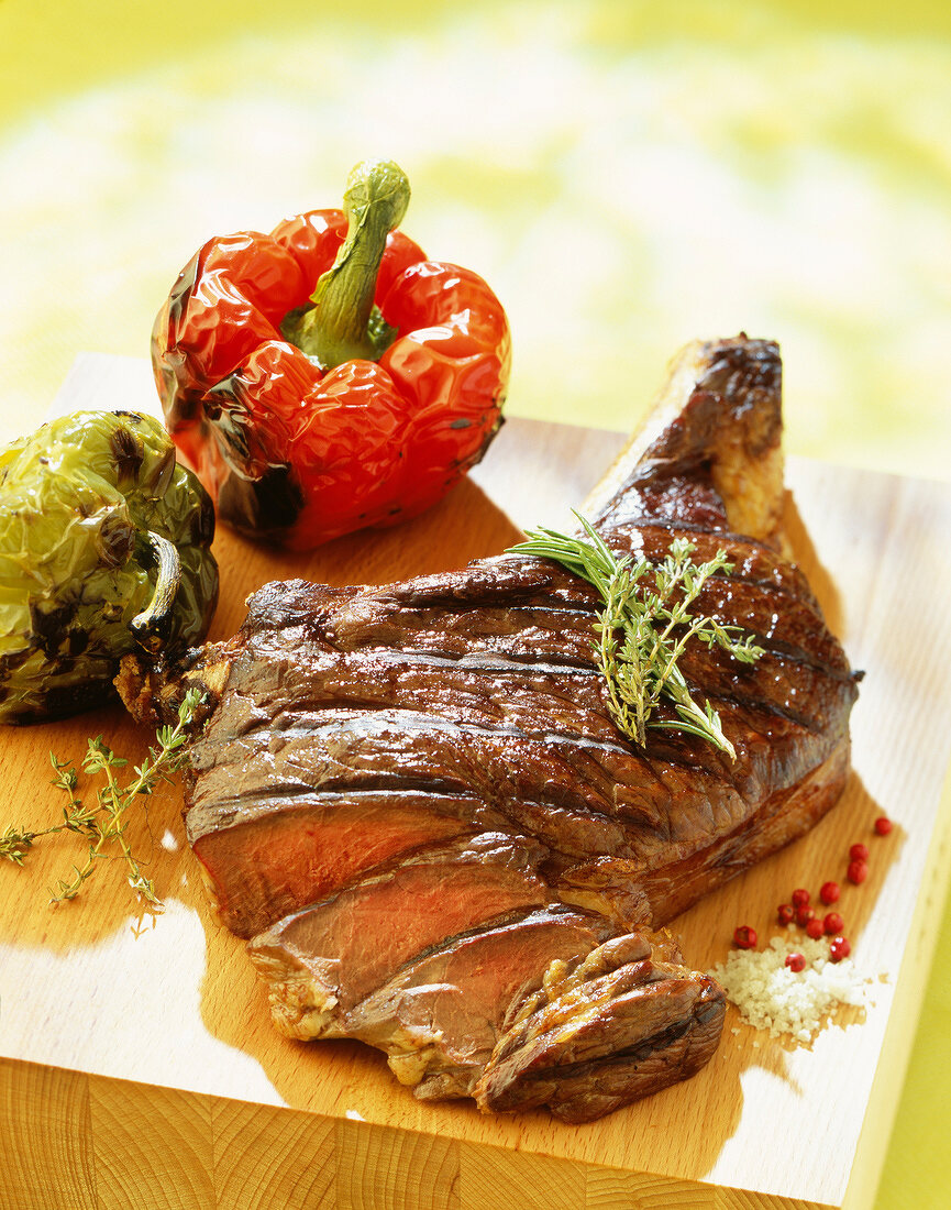 rib of beef with thyme and rosemary (topic: beef)