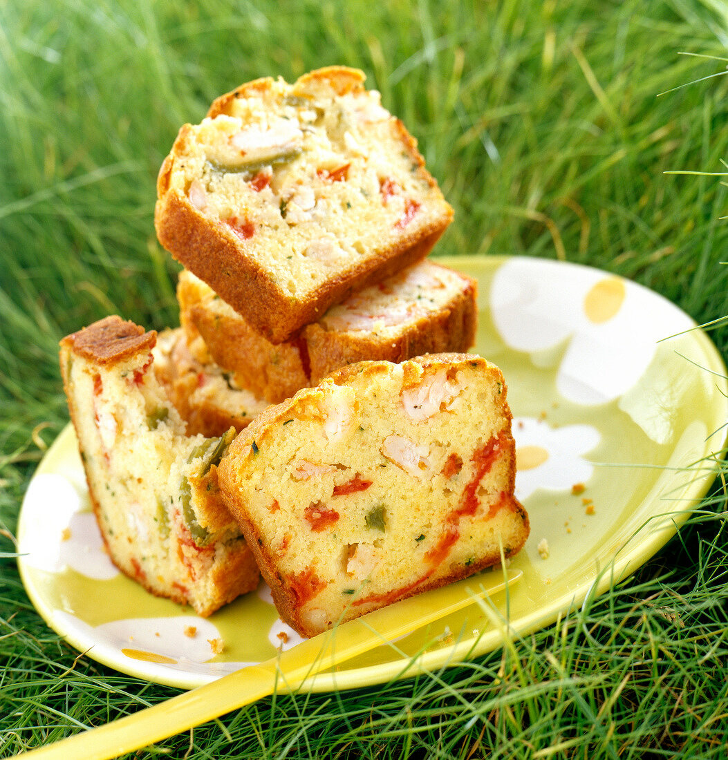 shrimp and green and red pepper cake ( topic : in the open air)