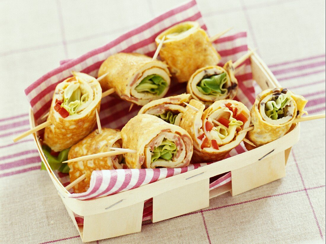 rolled omelettes (topic: open air)