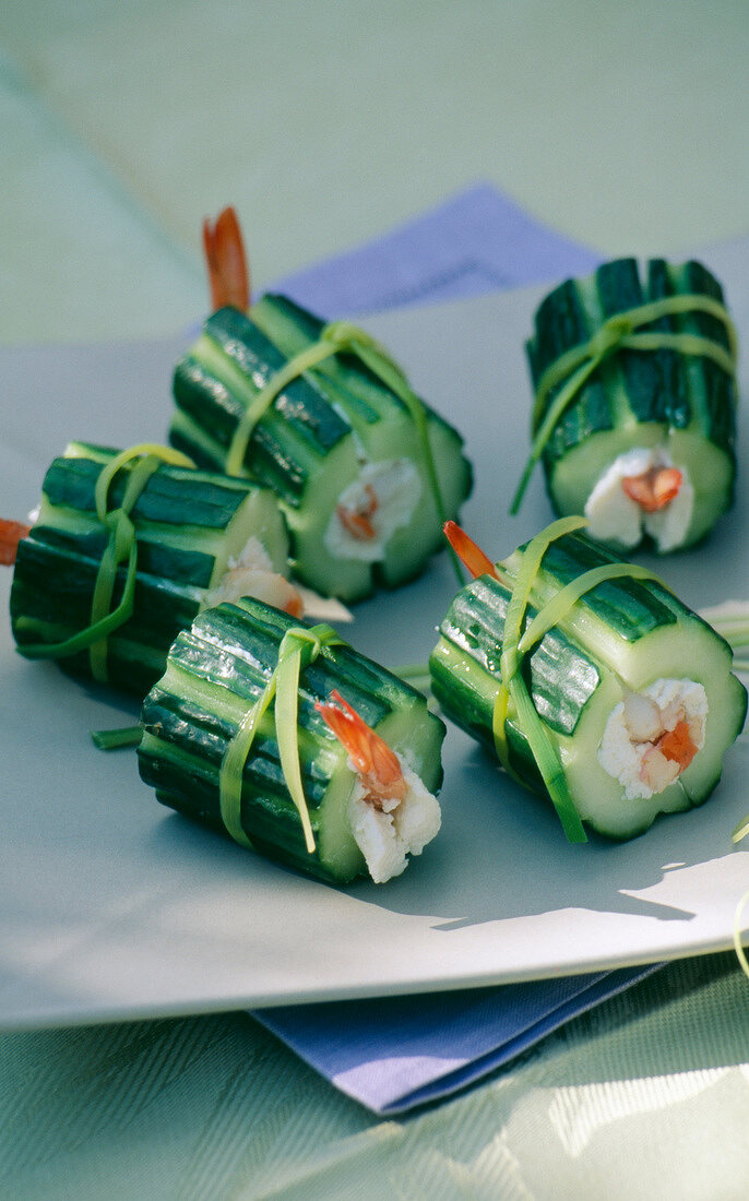 Cucumber and goat cheese makis