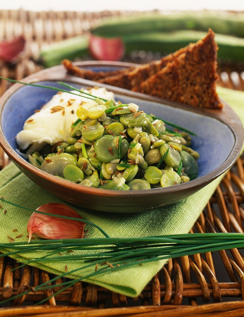 Egyptian broad beans with ground cumin