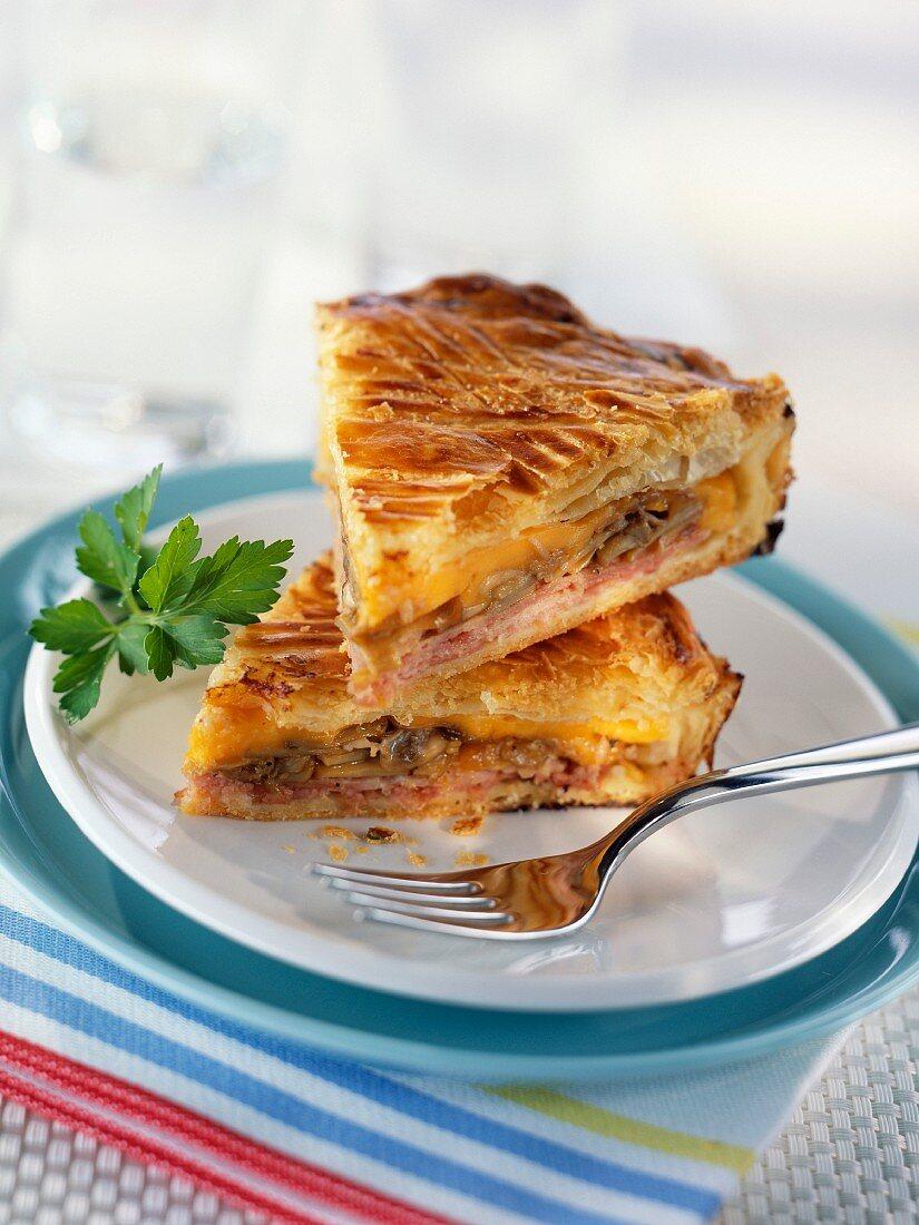 Ham and mushroom pie