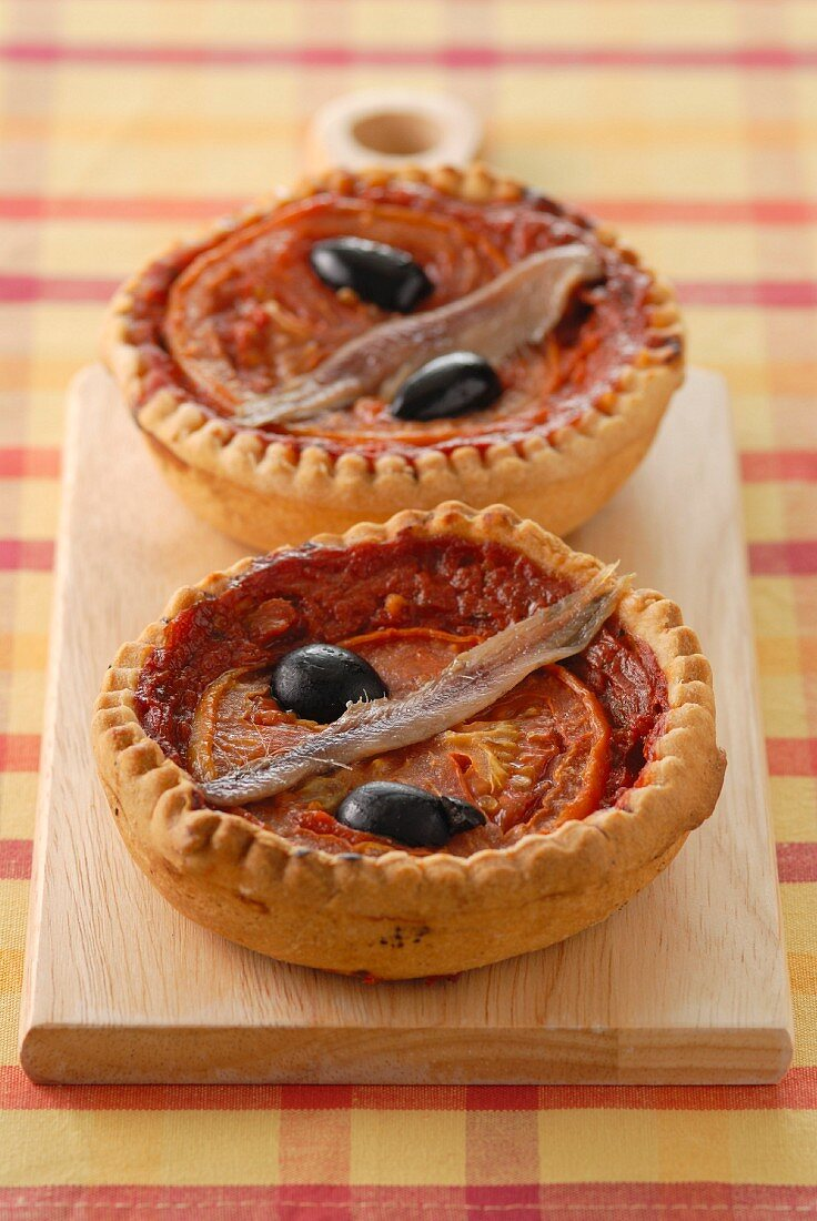 Minis anchovy tartlets