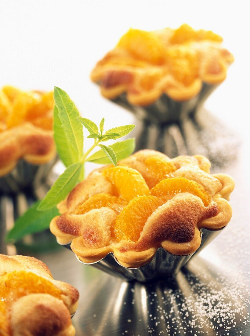 Almond tartlets with clementines