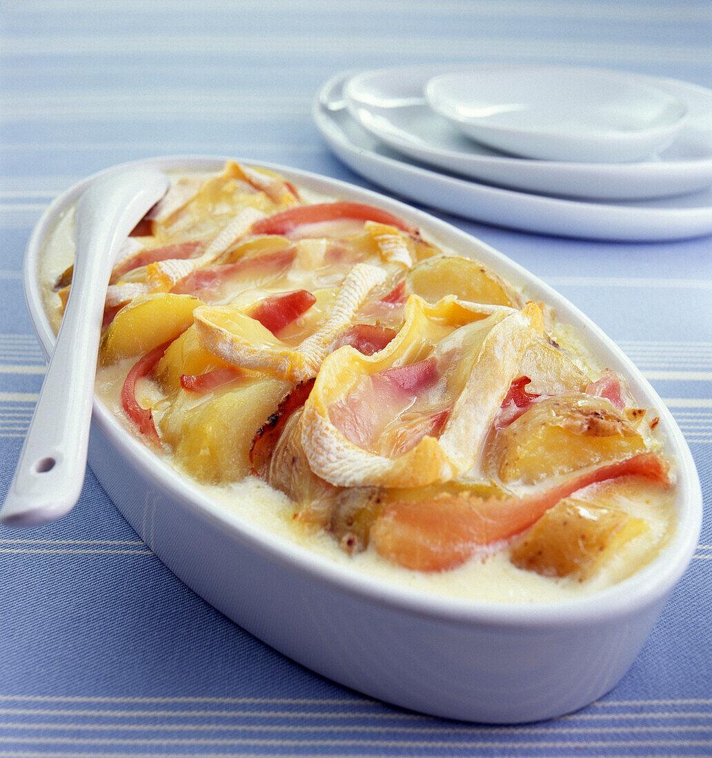 Kartoffelauflauf mit Reblochon aus den französischen Alpen