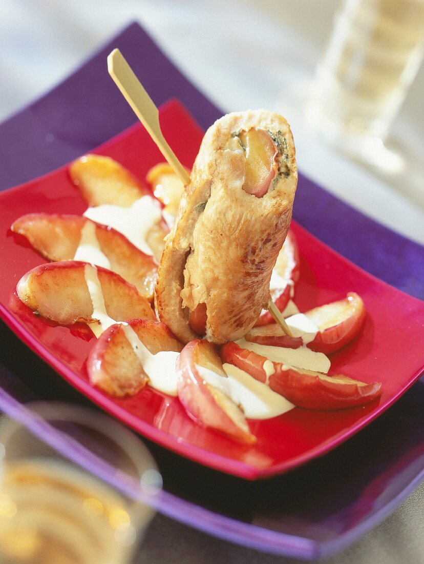 Turkey rolls with apple and herbs