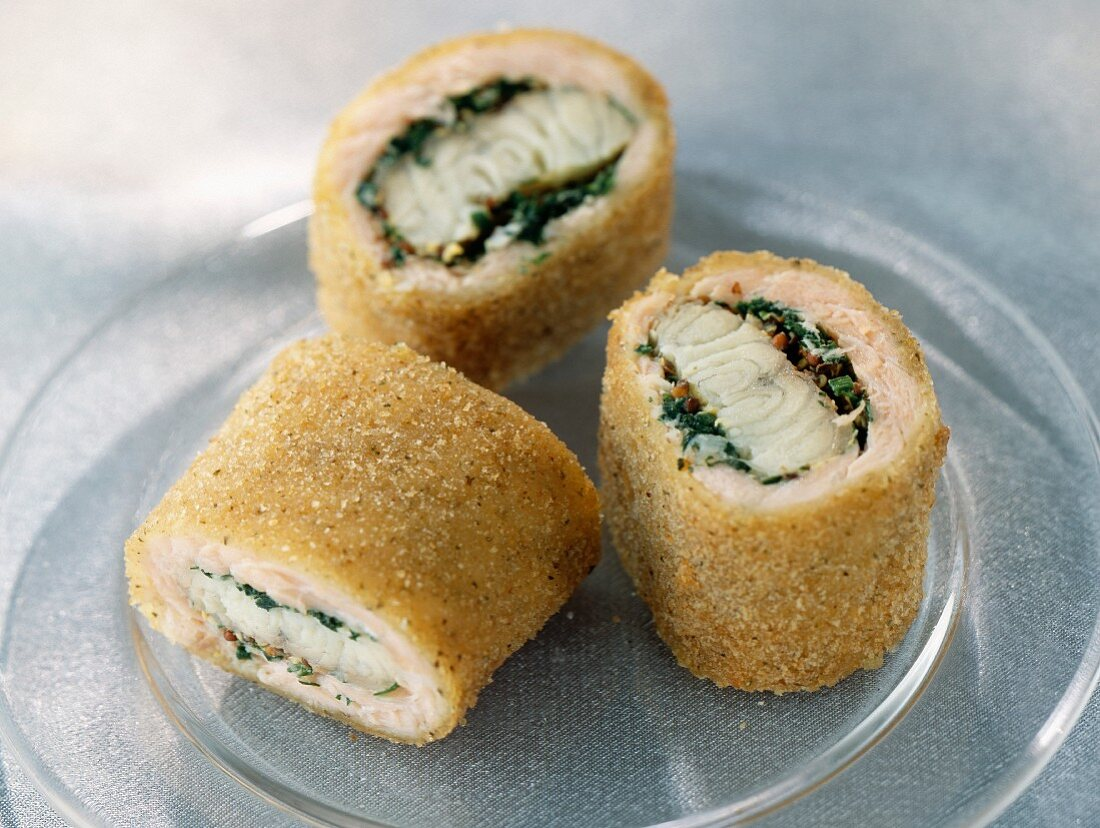 Breaded salmon canapés with eel and coriander