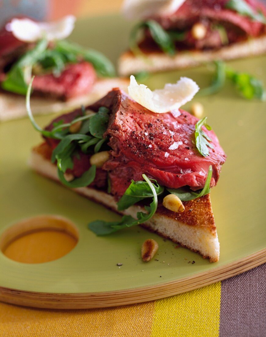 Roast beef,tapenade and basil appetizezr