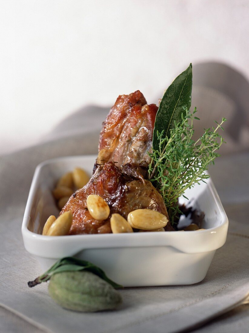 Knuckle of lamb with almonds and thyme