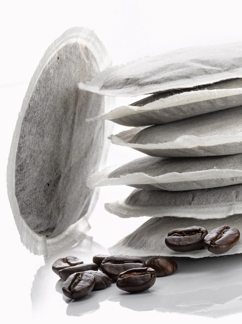 Round coffee capsules for expresso coffee machine