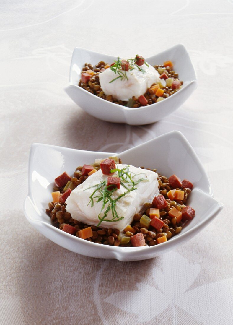 Poached turbot with citrus fruits and green puy lentils