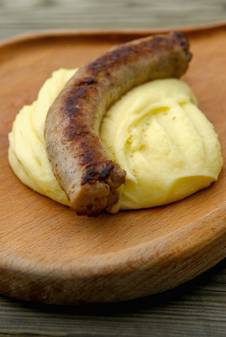 Grilled sausage with Aligot from Aubrac