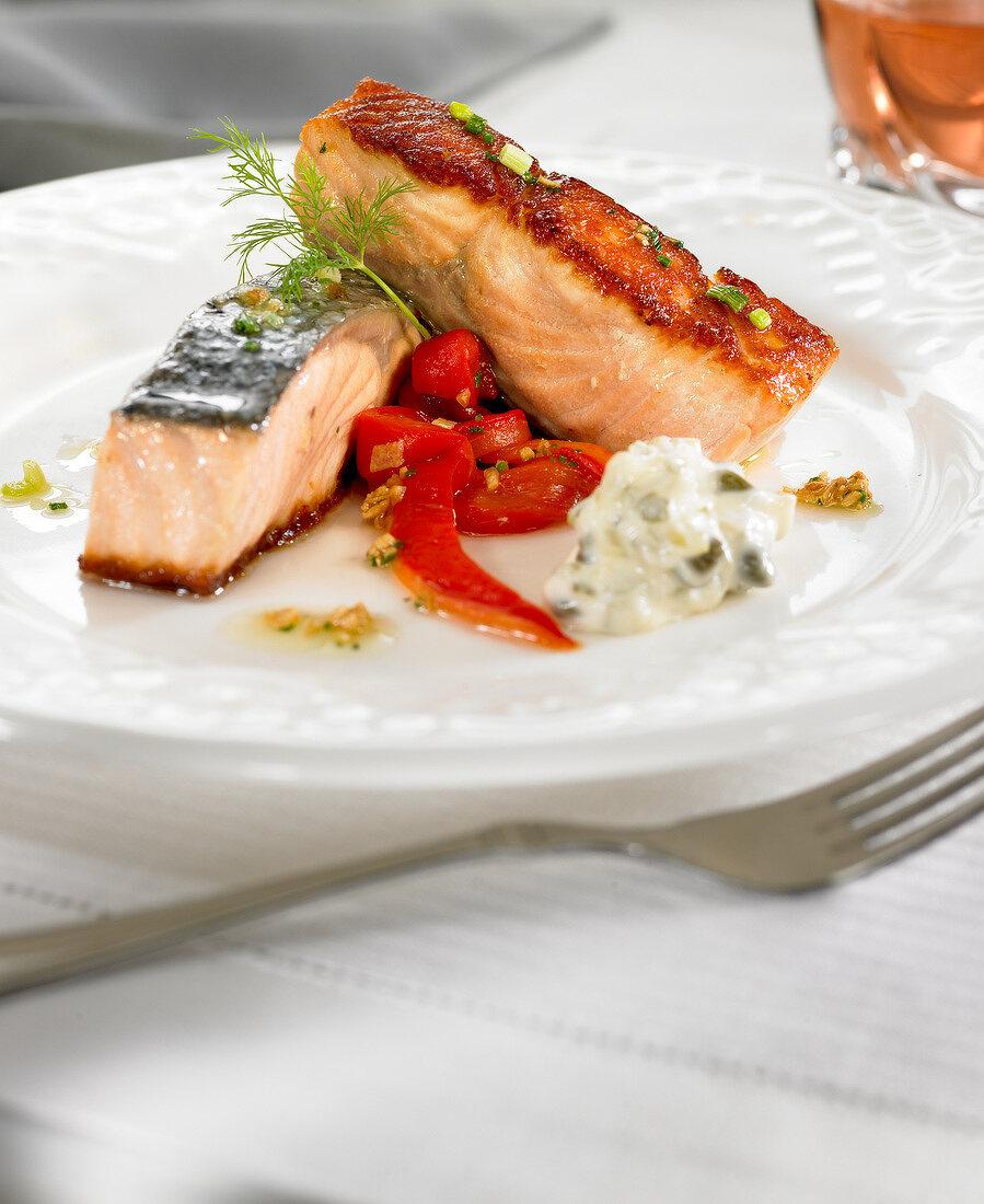 Salmon with tartare sauce