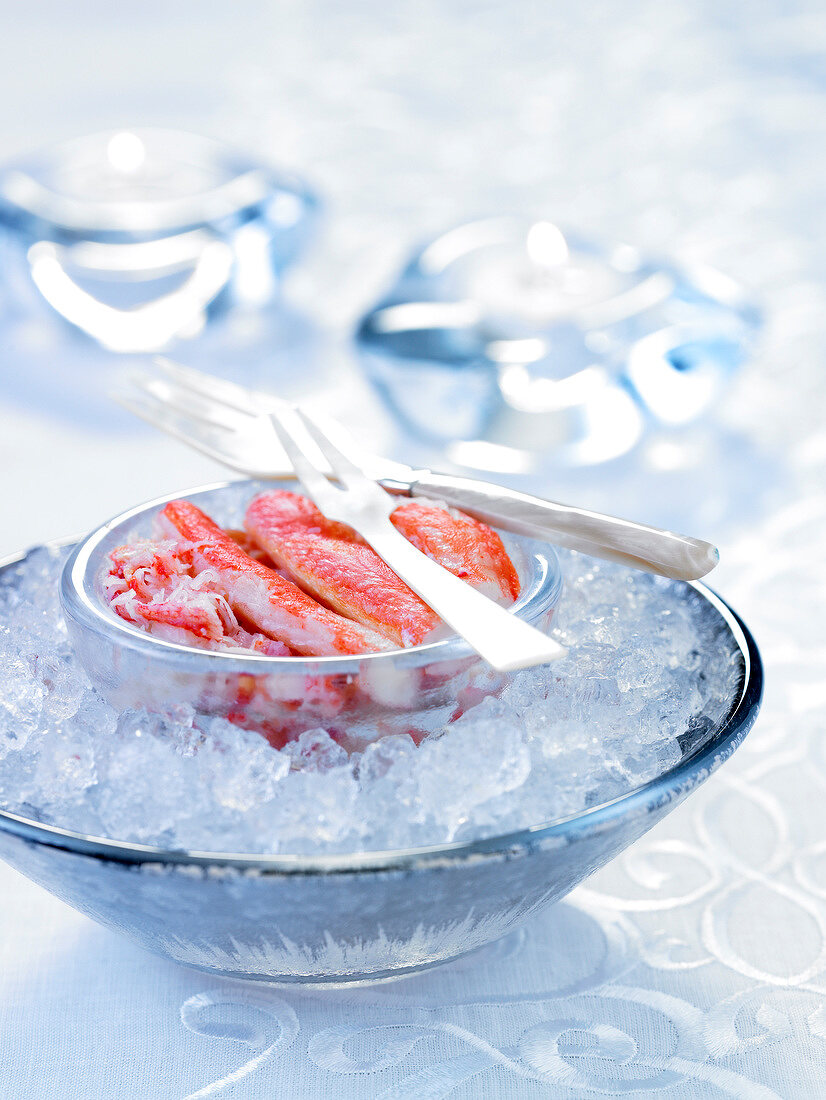 Bowl of crab meat on ice