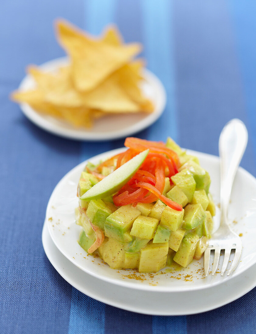 Curry-flavored avocado and green apple tartare