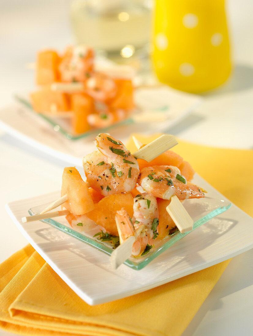 Melon-shrimp mini brochettes