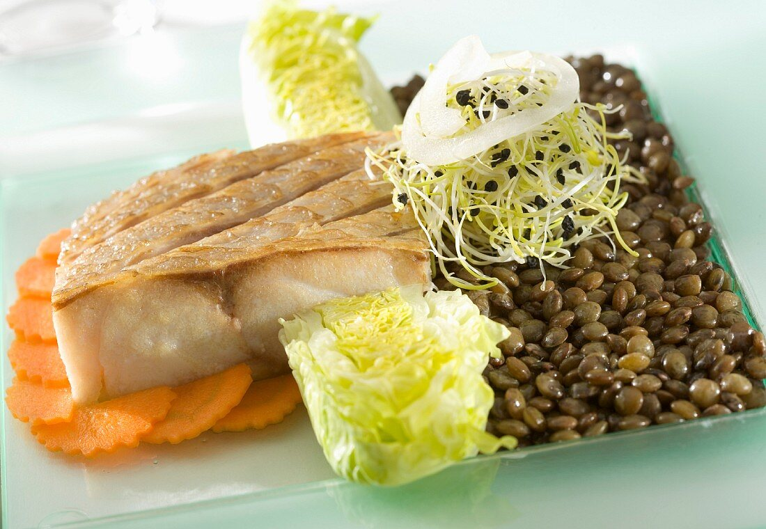 Royal sea bream with green lentils