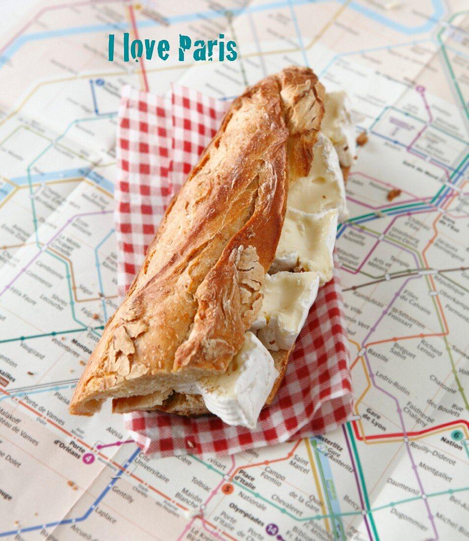 Camembert sandwich on a plan of the Parisian Metro