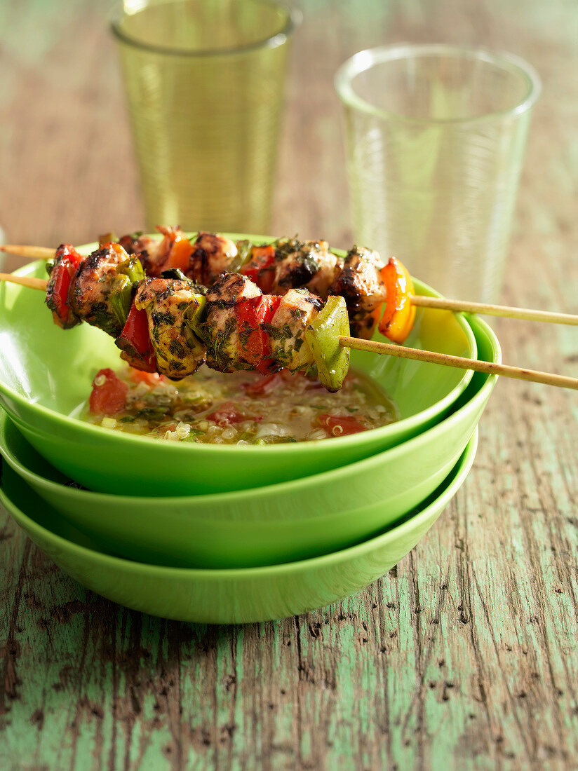Chicken and bell pepper brochettes