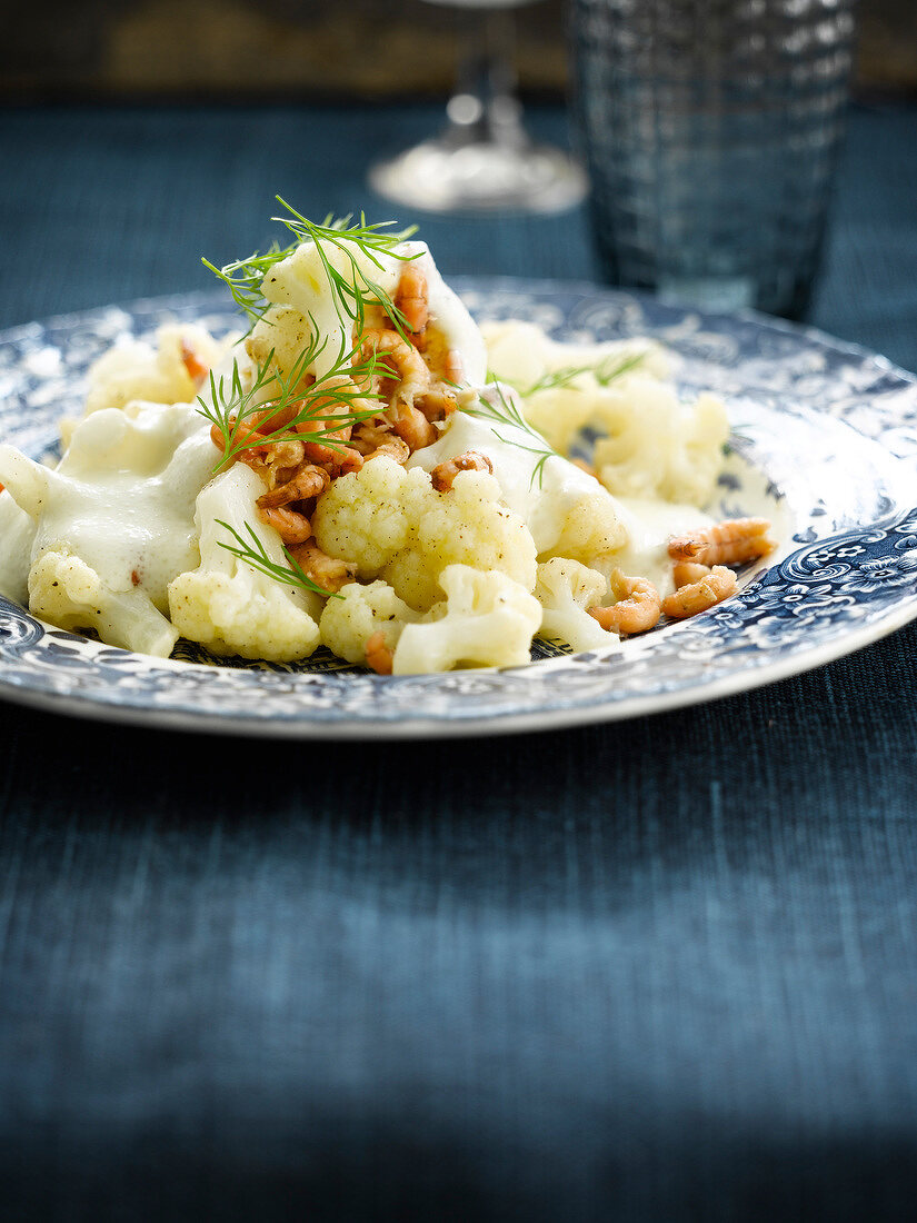 Cauliflower with shrimps and bechamel sauce
