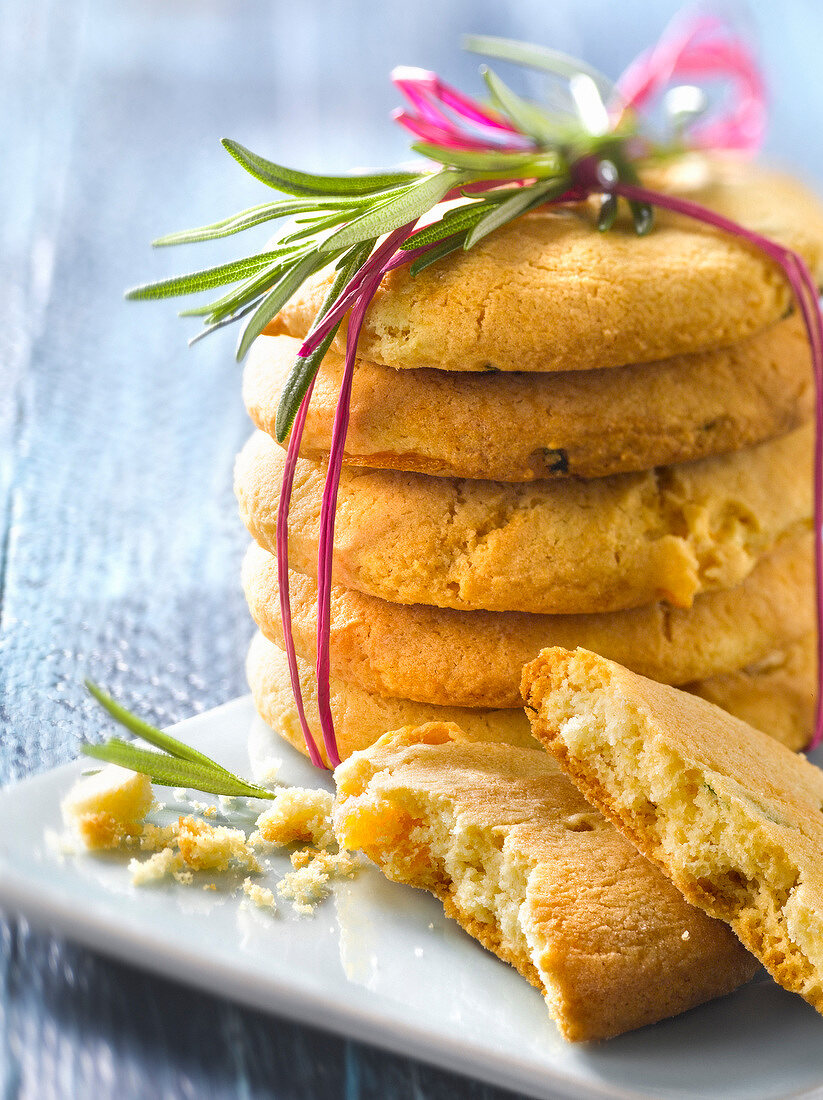 Dried apricot-rosemary cookies