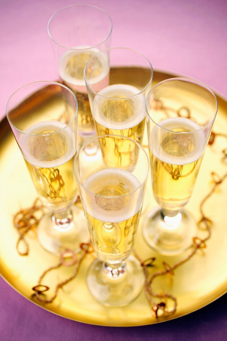Tray of glasses of Crémant