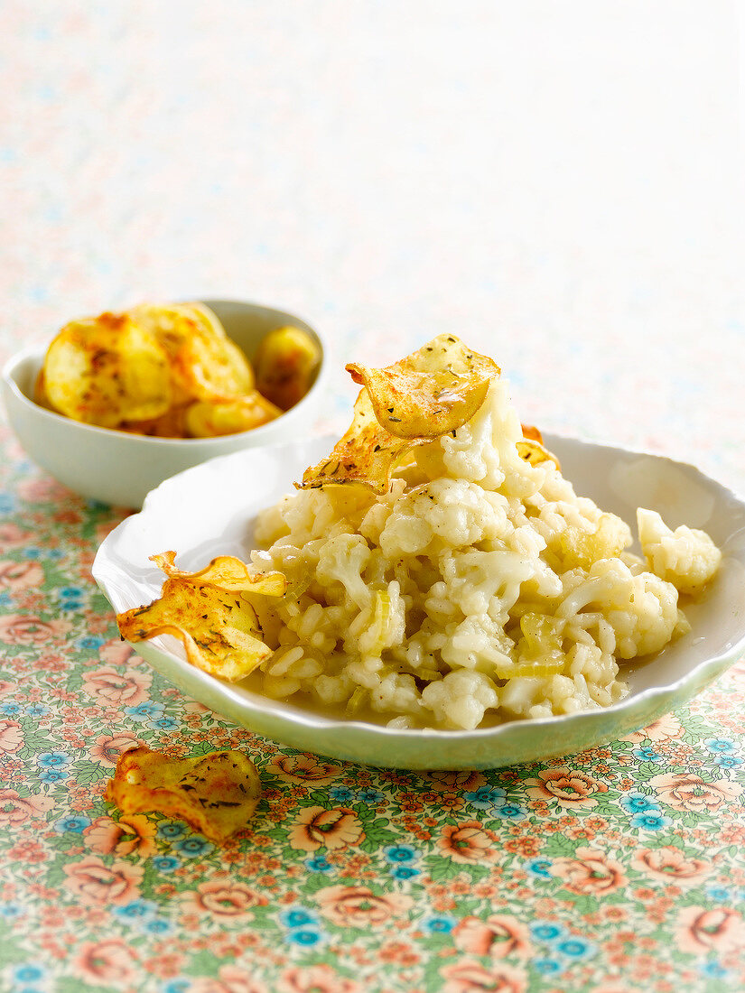 Cauliflower risotto with potato crisps