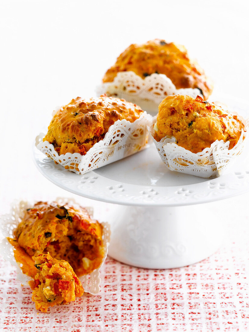 Sun-dried tomato muffins