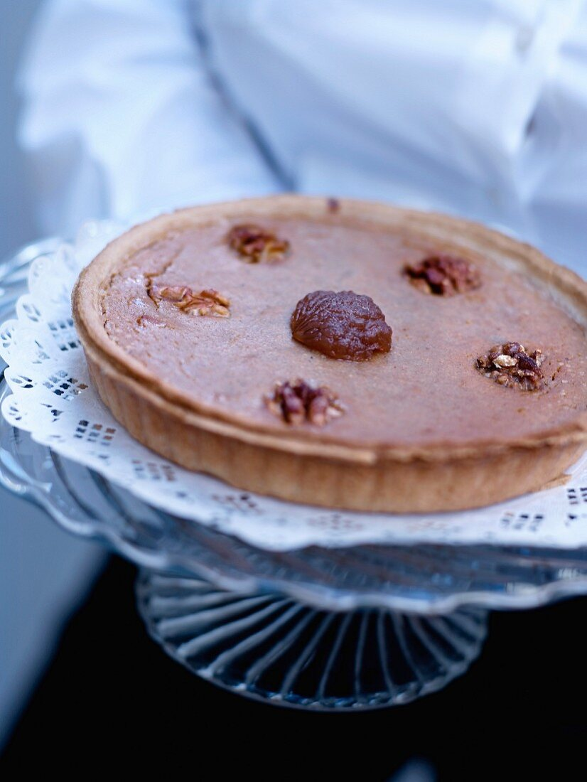 Shortcrust tart with chestnut cream and walnuts