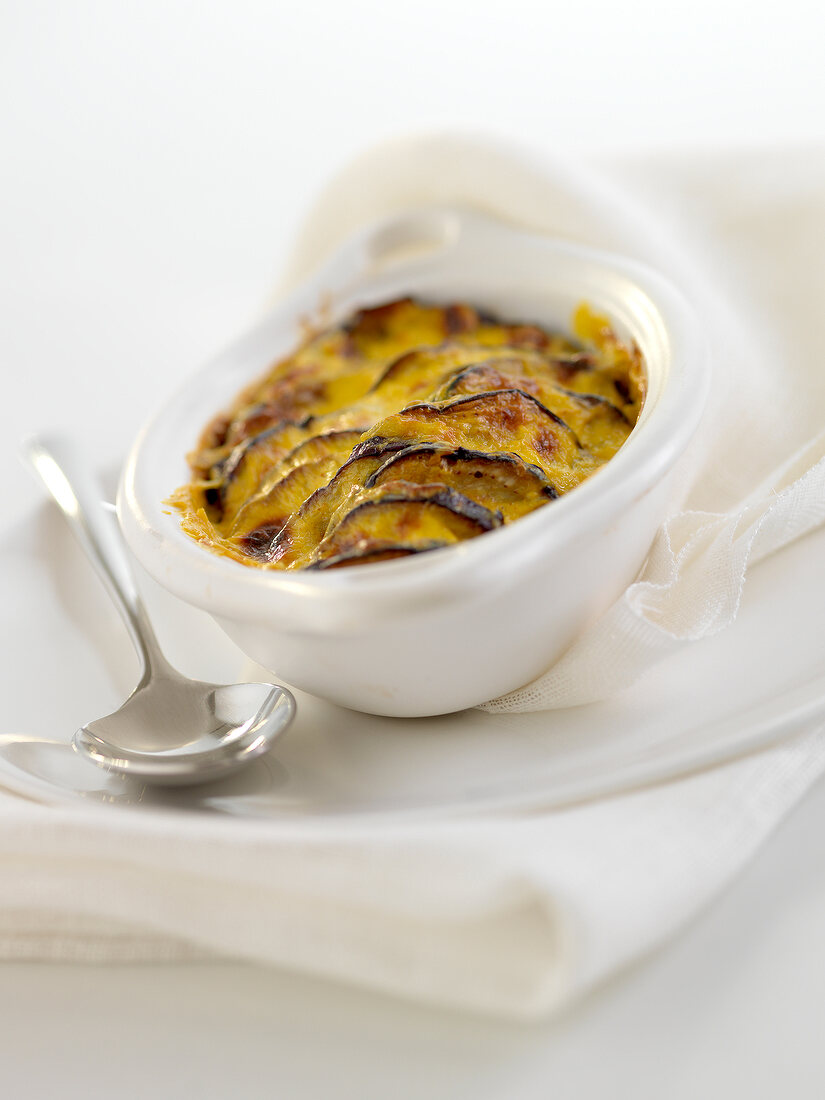 Spicy eggplant cheese-topped dish