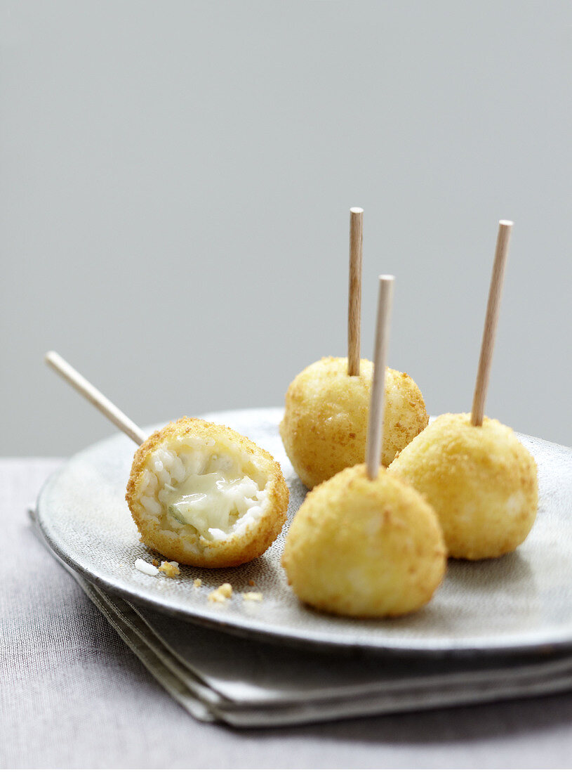 Risotto and gorgonzola aperitif bites