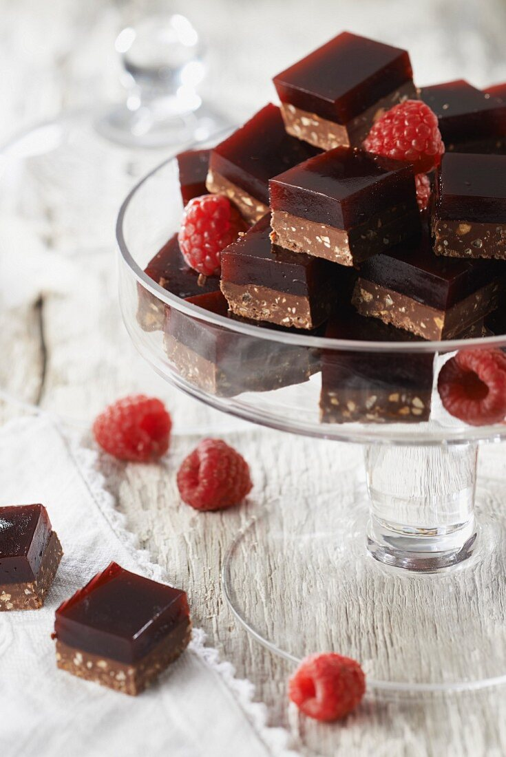 Almond chocolate and raspberry jelly bites