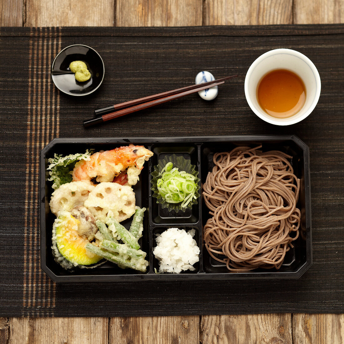 Tempuras and soba noodle bento
