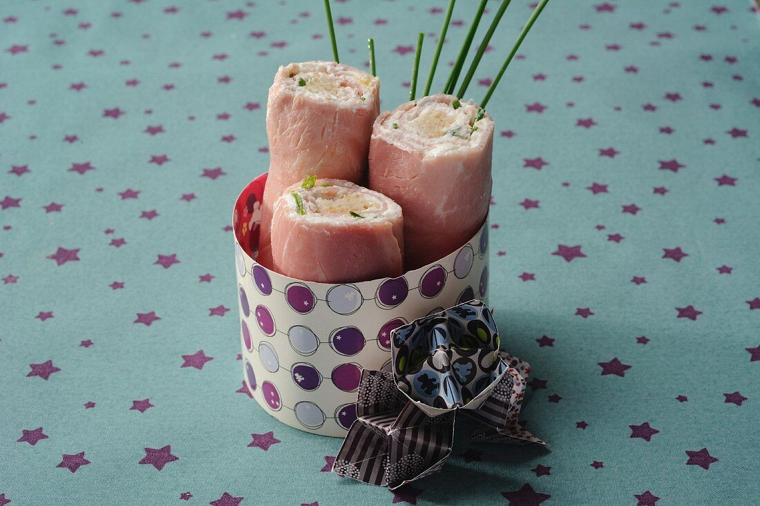 Ham rolls filled with cream cheese